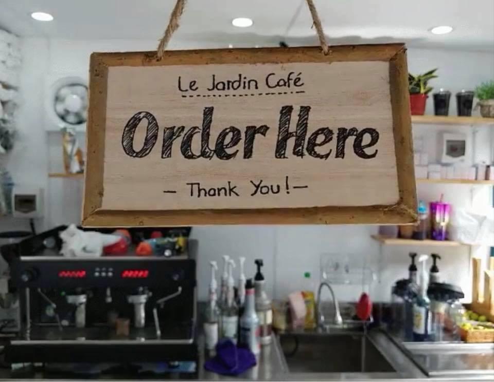 Le-Jardin-Cafe-13