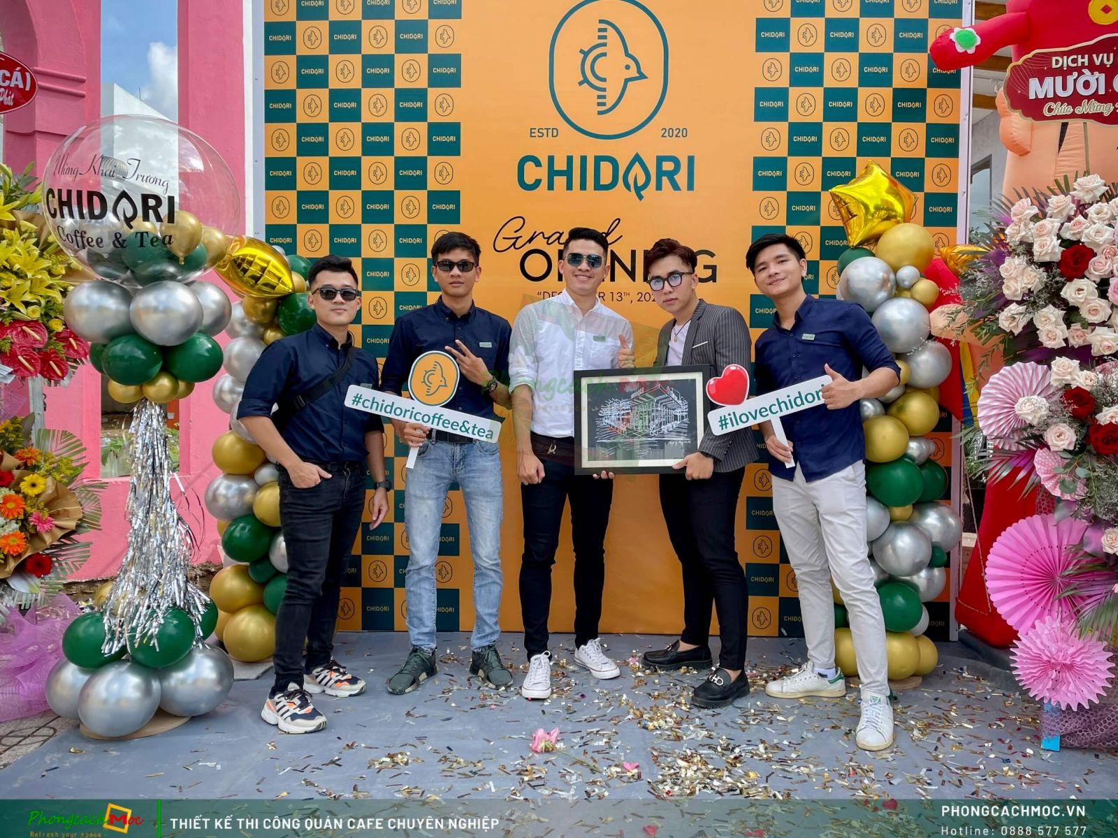 Đội ngũ Phong Cách Mộc chúc mừng khai trương Chidori Coffee & Tea