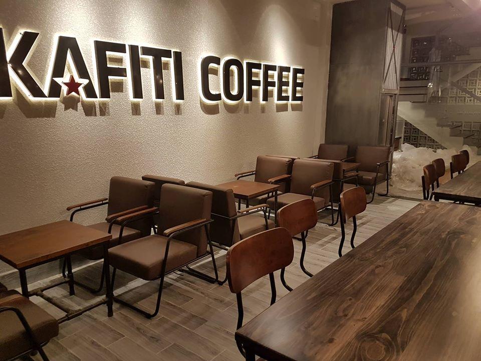 kafiti coffee thể hiện chủ đề hiện đại trong thiết kế quán cafe